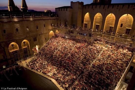 アヴィニョン演劇祭の60年 〜世界最大の演劇祭はこうして生まれた