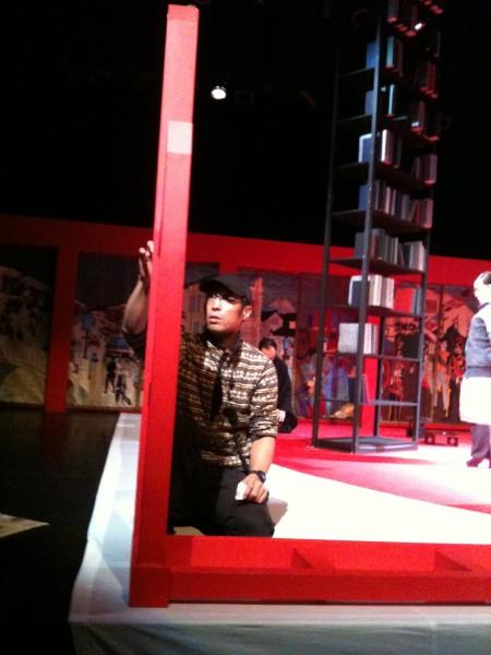 舞台監督岩崎さん。演出家としても活躍。