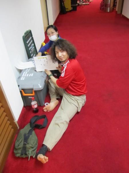 小道具班、「くねくね入道」の大内米治さんとオーセ役の榊原有美さん