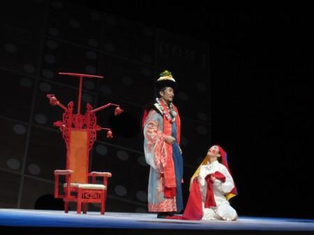 舞台ではこんな感じに アニトラ役のたきいみきさん