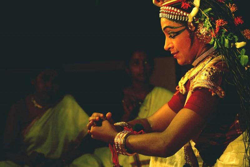 Kapila performing putanamoksham nangiarkoothu[1]..